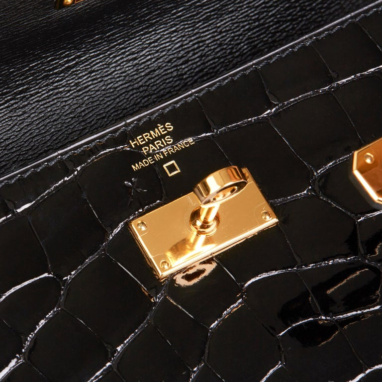 2017 Hermès Black Shiny Mississippiensis Alligator Leather Kelly Long Wallet  For Sale 3