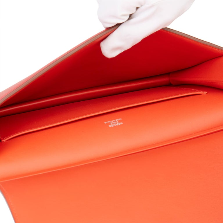 2017 Hermès Rouge Tomate & Rouge Grenat Evercolour Leather Multiplis Clutch For Sale 7