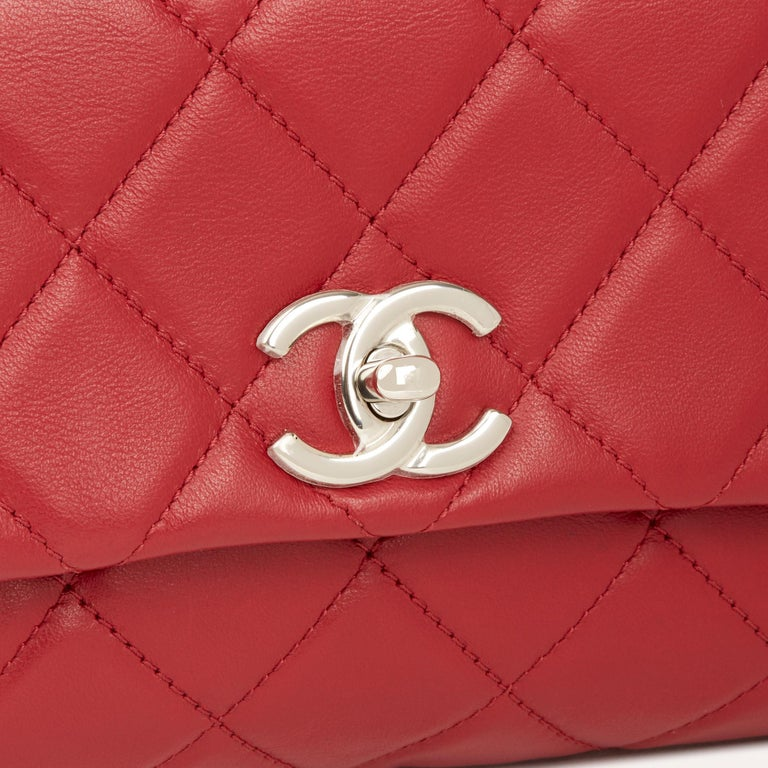 2018 Chanel Red Quilted Lambskin Classic Shoulder Bag For Sale 2