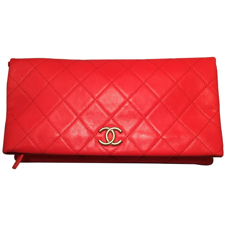 576935cf070d 2018 Chanel Red Quilted Leather CC Fold Over Clutch For Sale at 1stdibs