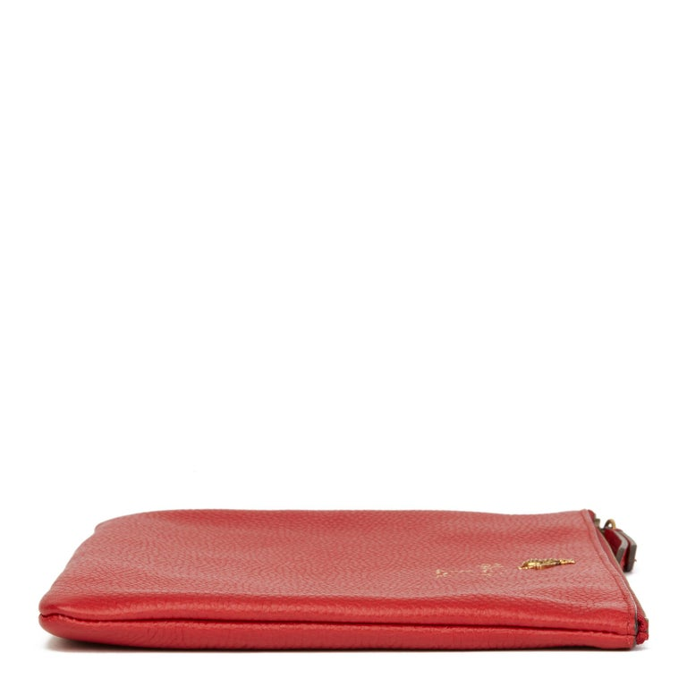 2018 Gucci Red Calfskin Leather 'Blind For Love' Pouch In Excellent Condition For Sale In Bishop's Stortford, Hertfordshire