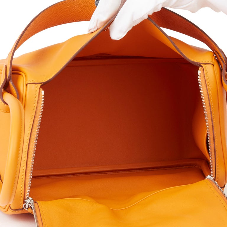 2018 Hermès Abricot Leather & Rose Azalee, Epsom Leather Tressage Lindy 26cm For Sale 6