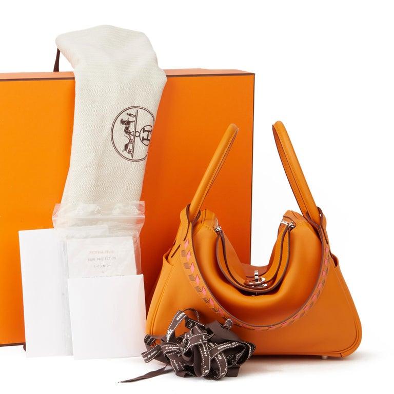 2018 Hermès Abricot Leather & Rose Azalee, Epsom Leather Tressage Lindy 26cm For Sale 7