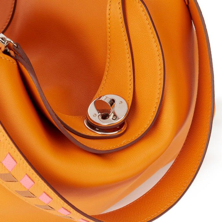2018 Hermès Abricot Leather & Rose Azalee, Epsom Leather Tressage Lindy 26cm For Sale 3