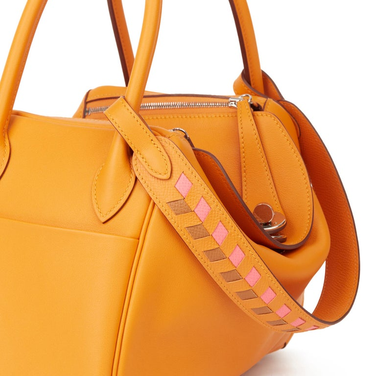 2018 Hermès Abricot Leather & Rose Azalee, Epsom Leather Tressage Lindy 26cm For Sale 4