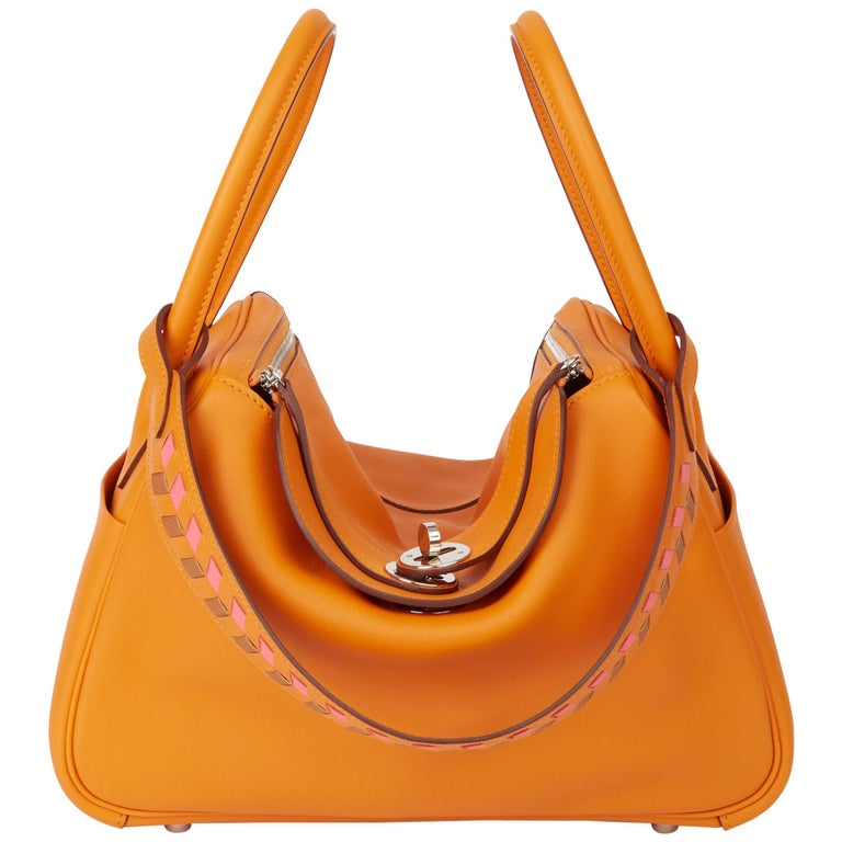 2018 Hermès Abricot Leather & Rose Azalee, Epsom Leather Tressage Lindy 26cm For Sale