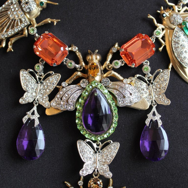 Stunning fancy piece by Carlo Zini Milano New summer 2019 colection ! Non allergenic rhodium Opaque Gold dipped Bees theme Amazing creation of swarovski crystals, rhinestones and resins 100% Artisanal work Made in Milano Worldwide express shipping