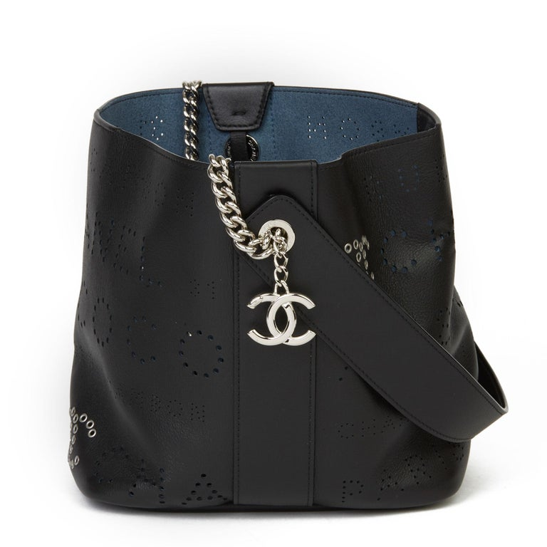 2019 Chanel Black Perforated Calfskin Logo Eyelets Bucket Bag with Tweed Pouch In Excellent Condition For Sale In Bishop's Stortford, Hertfordshire