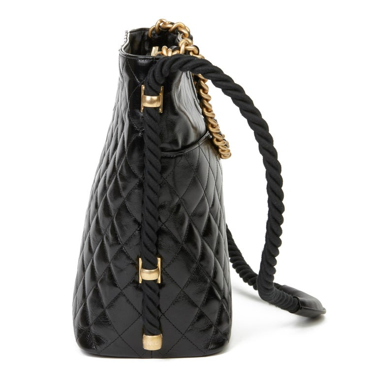 CHANEL Black Quilted Aged Calfskin Leather En Vogue Hobo Bag  Xupes Reference: HB3661 Serial Number: 27040764 Age (Circa): 2019 Accompanied By: Authenticity Card Authenticity Details: Authenticity Card, Serial Sticker (Made in Italy) Gender: