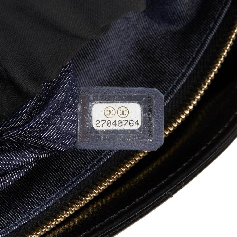 2019 Chanel Black Quilted Aged Calfskin Leather En Vogue Hobo Bag For Sale 5