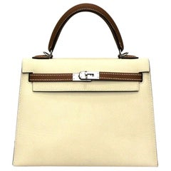 2019 Hermès Beige Leather Kelly 25 Bag