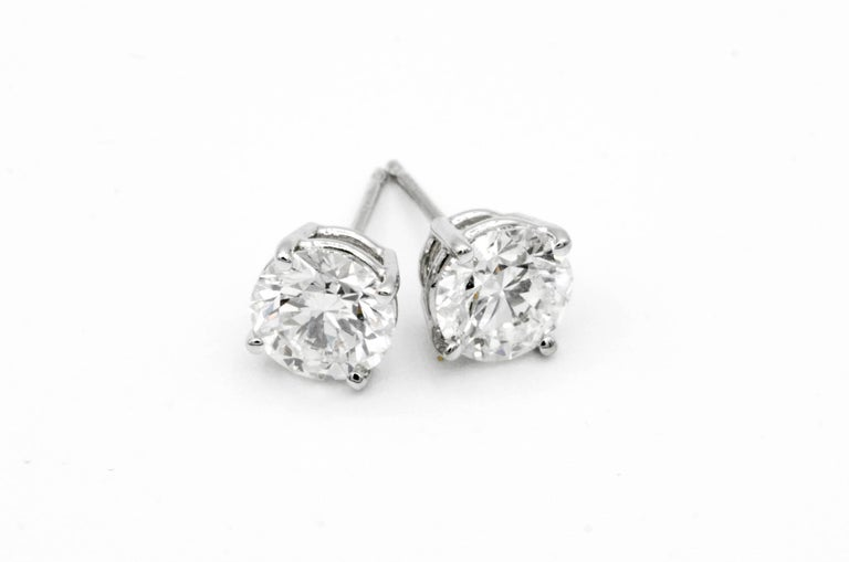 Modern 2.02 Carat Diamond Stud Earrings in 14 Karat White Gold For Sale