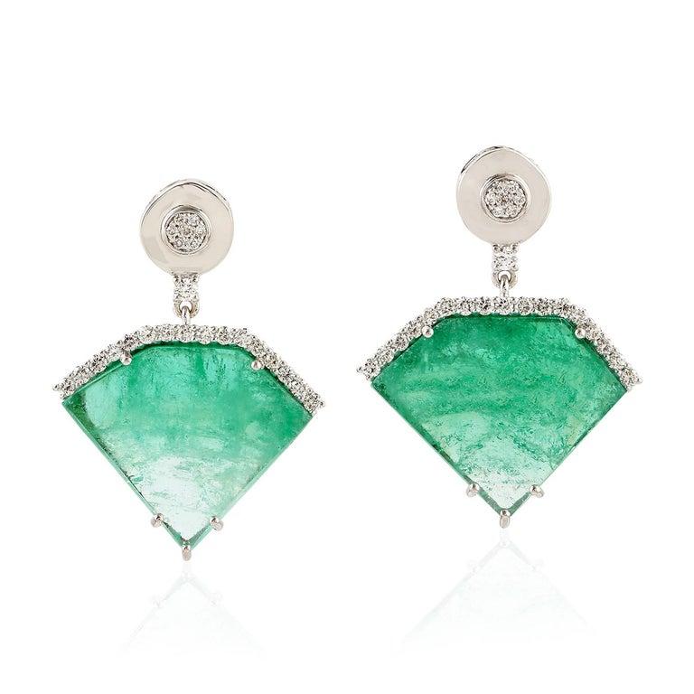 Contemporary 20.2 Carat Emerald Diamond 18 Karat White Gold Earrings For Sale