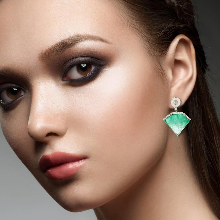 20.2 Carat Emerald Diamond 18 Karat White Gold Earrings In New Condition For Sale In Hoffman Estate, IL