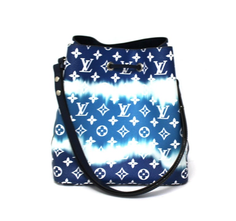 2020 Louis Vuitton Blue Leather Noè Bag In New Condition For Sale In Torre Del Greco, IT