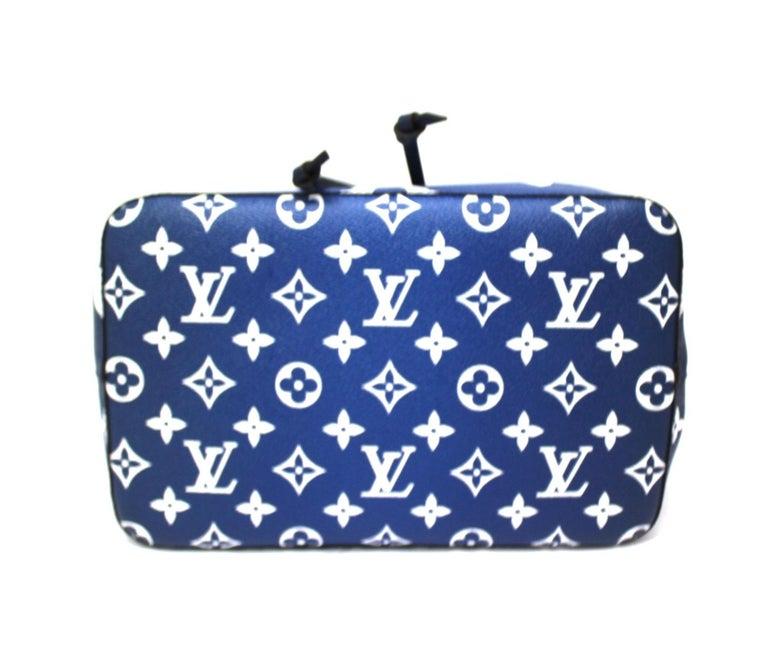Women's 2020 Louis Vuitton Blue Leather Noè Bag For Sale