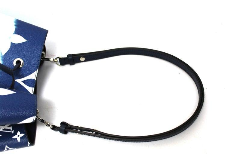 2020 Louis Vuitton Blue Leather Noè Bag For Sale 3