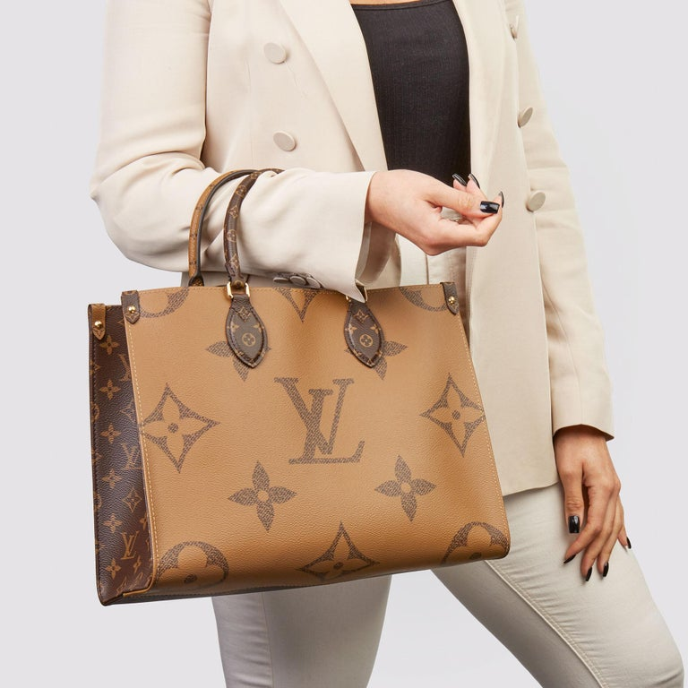 LOUIS VUITTON Brown Monogram Coated Canvas Reverso Onthego MM  Xupes Reference: HB3555 Serial Number: TR1260 Age (Circa): 2020 Accompanied By: Care Booklet Authenticity Details: Date Stamp (Made in France)  Gender: Ladies Type: Tote,