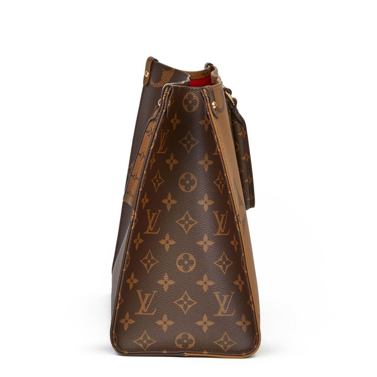 2020 Louis Vuitton Brown Monogram Coated Canvas Reverso Onthego MM In Excellent Condition For Sale In Bishop's Stortford, Hertfordshire