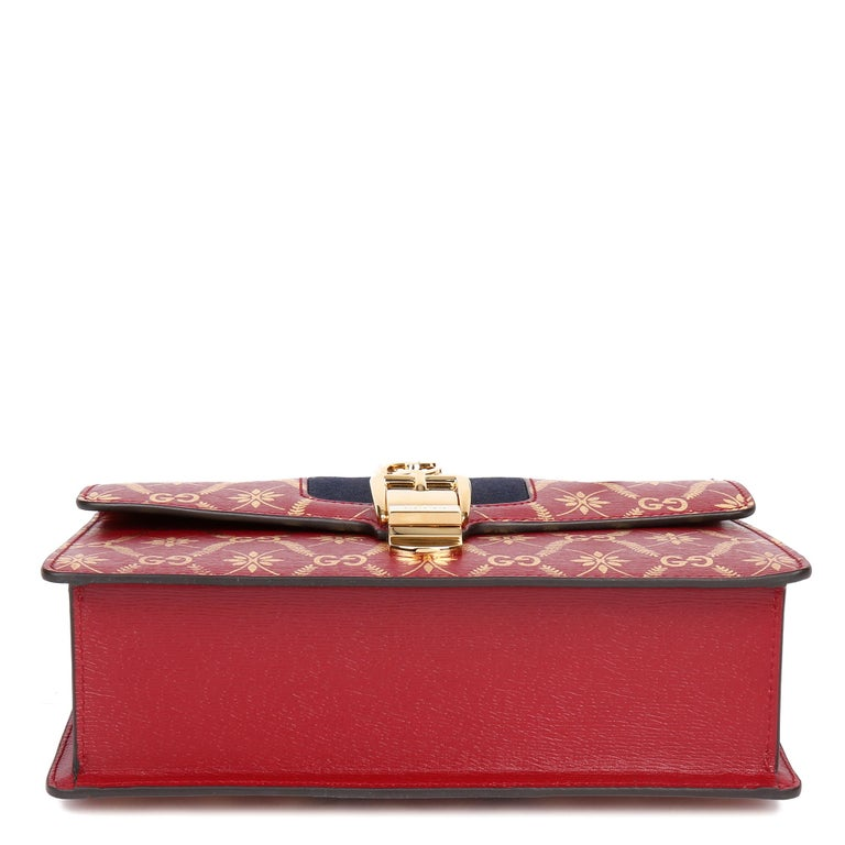 2021 Gucci Red & Gold Calfskin Leather Top Handle Small Sylvie  For Sale 2