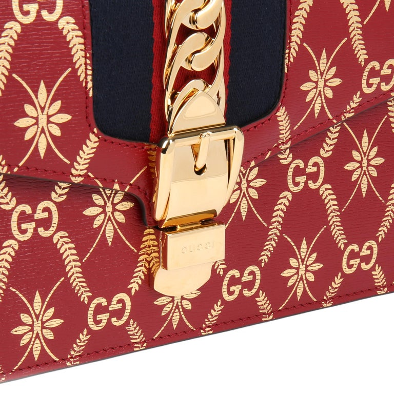 2021 Gucci Red & Gold Calfskin Leather Top Handle Small Sylvie  For Sale 3