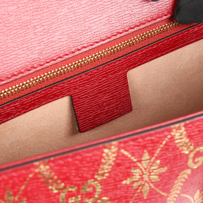 2021 Gucci Red & Gold Calfskin Leather Top Handle Small Sylvie  For Sale 5