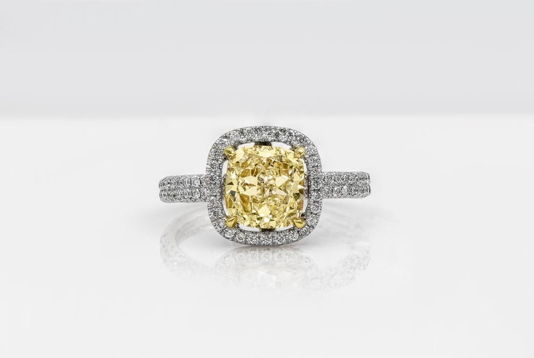 Roman Malakov 2.03 Carat Cushion Cut Yellow Diamond Halo Engagement Ring In New Condition For Sale In New York, NY