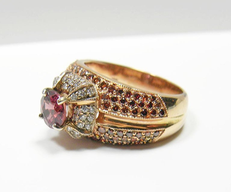 Round Cut 2.04 Carat Padparadscha Sapphire Diamond Ring Rose Gold For Sale
