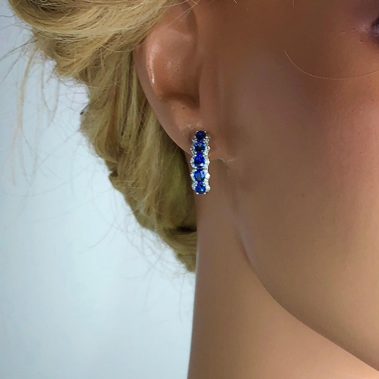 2.05 Carat Blue Sapphire and 0.39 Carat Diamond Hoop Earrings in 18 Karat Gold In New Condition For Sale In New York, NY