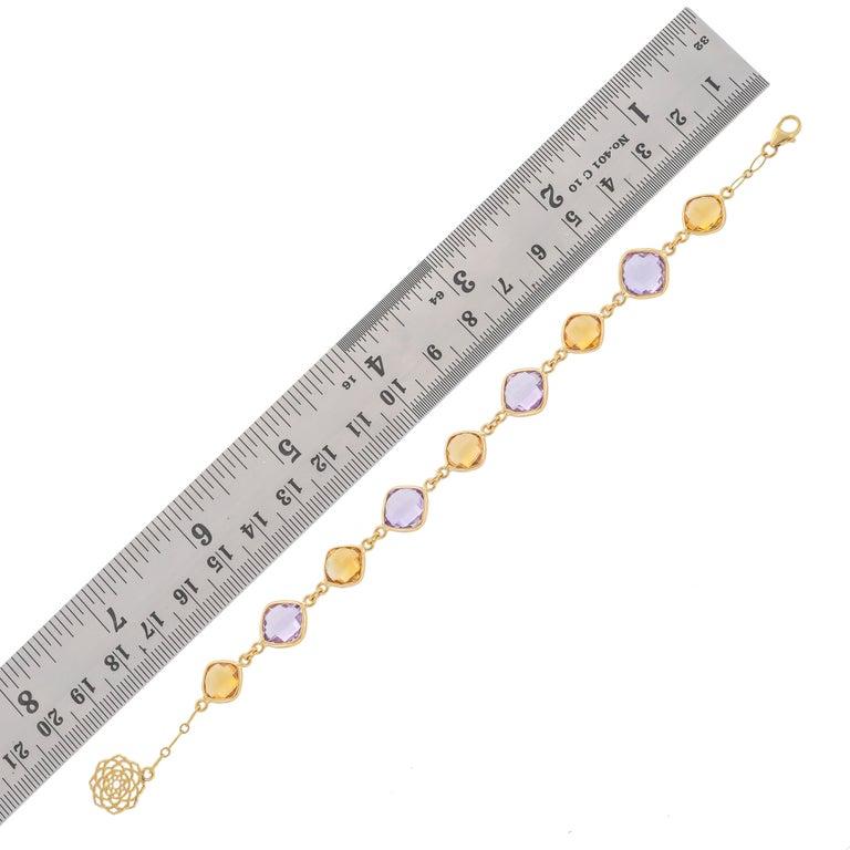 Modern 20.52 Carat Cushion Briolette 18 Karat Yellow Gold Simple Bracelet For Sale