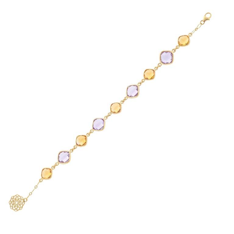 20.52 Carat Cushion Briolette 18 Karat Yellow Gold Simple Bracelet For Sale