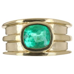 2.05ct 18K Colombian Emerald Cushion Cut Men's Solitaire Gold Ring