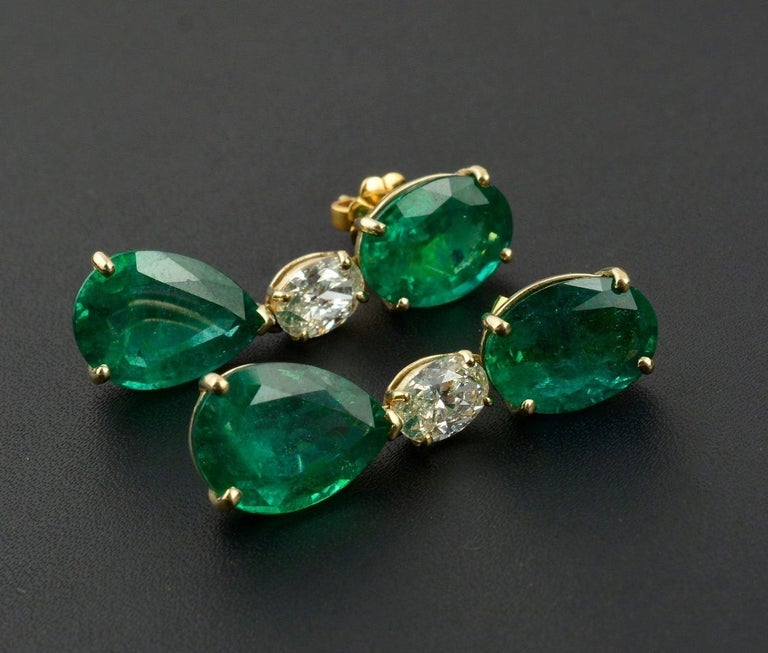 Mixed Cut 20.60 Carat Emerald Diamond 18 Karat Gold Earrings For Sale