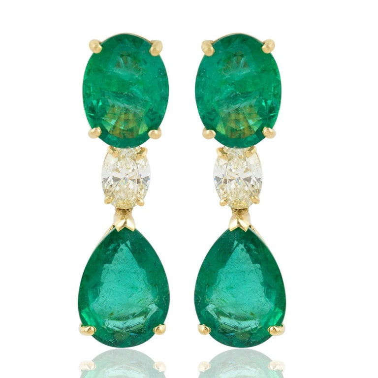 20.60 Carat Emerald Diamond 18 Karat Gold Earrings In New Condition For Sale In Hoffman Estate, IL