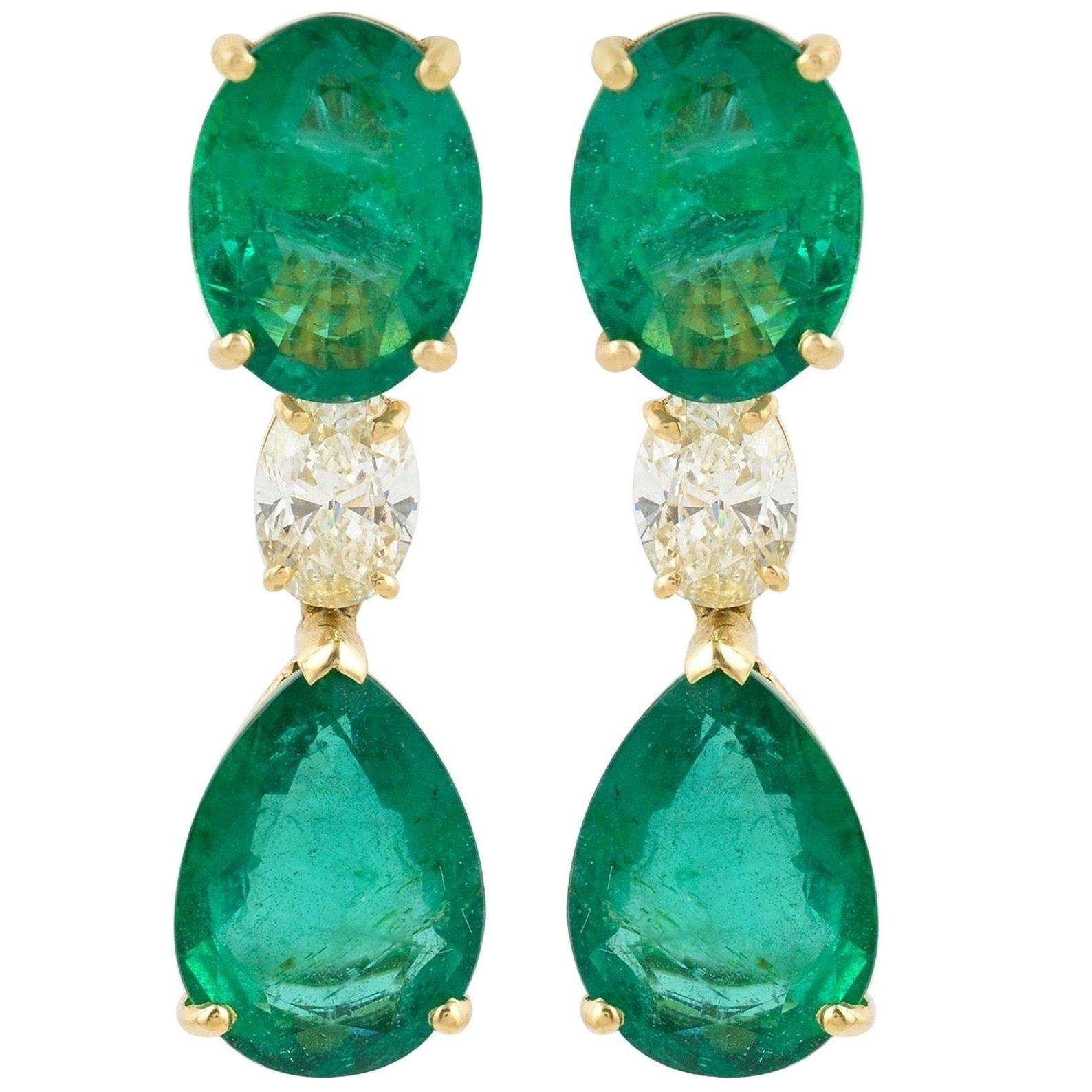 20.60 Carat Emerald Diamond 18 Karat Gold Earrings