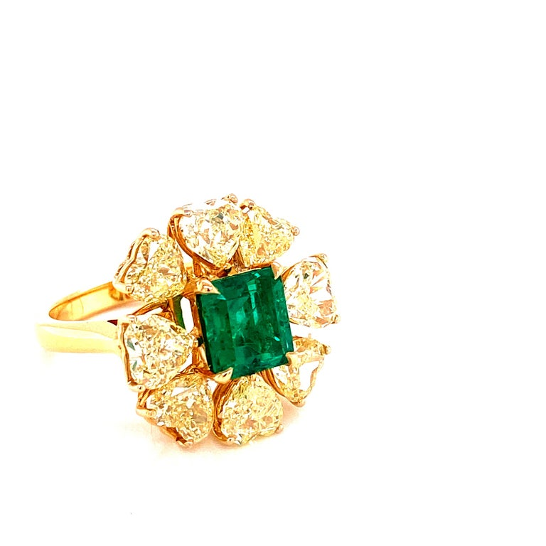 Octagon Cut 2.08 Carat GRS Certified Vivid Green Colombian Emerald and Yellow Diamond Ring For Sale
