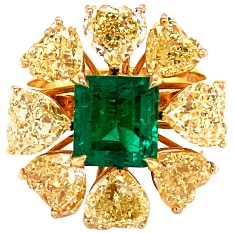 2.08 Carat GRS Certified Vivid Green Colombian Emerald and Yellow Diamond Ring For Sale