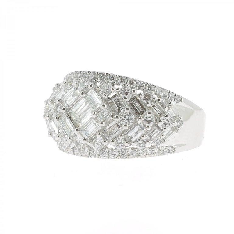 Baguette Cut 2.08 Carat GVS Round Baguette Diamond Bombé Ring 18 Karat White Gold For Sale