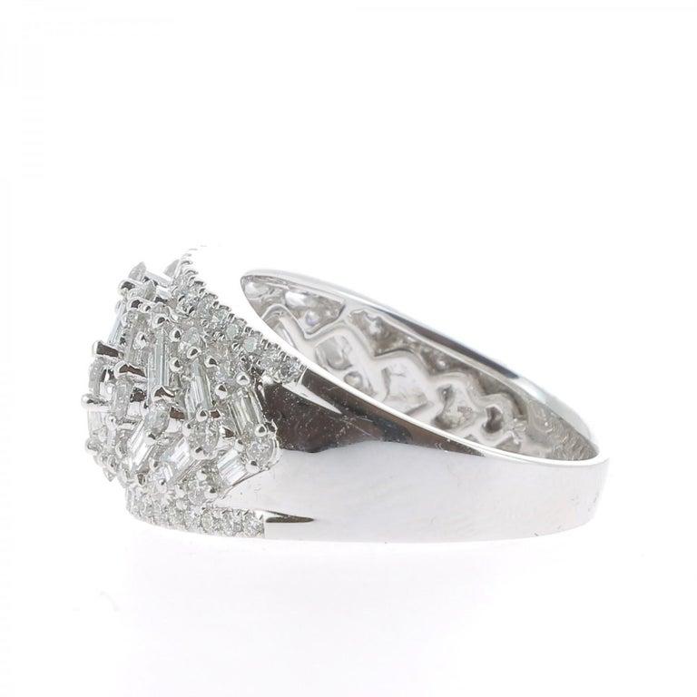 Women's or Men's 2.08 Carat GVS Round Baguette Diamond Bombé Ring 18 Karat White Gold For Sale
