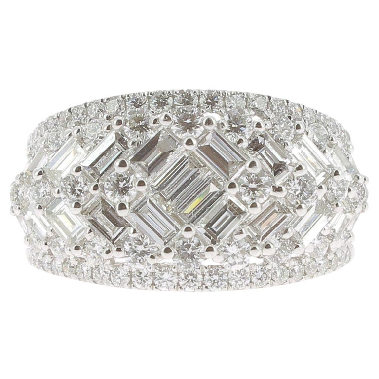 2.08 Carat GVS Round Baguette Diamond Bombé Ring 18 Karat White Gold For Sale