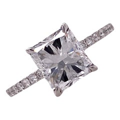 2.08 Carat Radiant Diamond 18 Karat White Gold Engagement Ring GIA E / VS1
