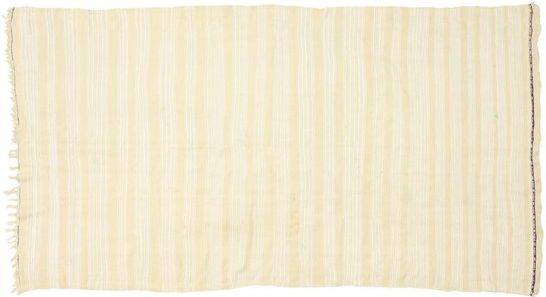 Vintage Moroccan Handira Kilim, Neutral Flat-weave Rug For Sale 6