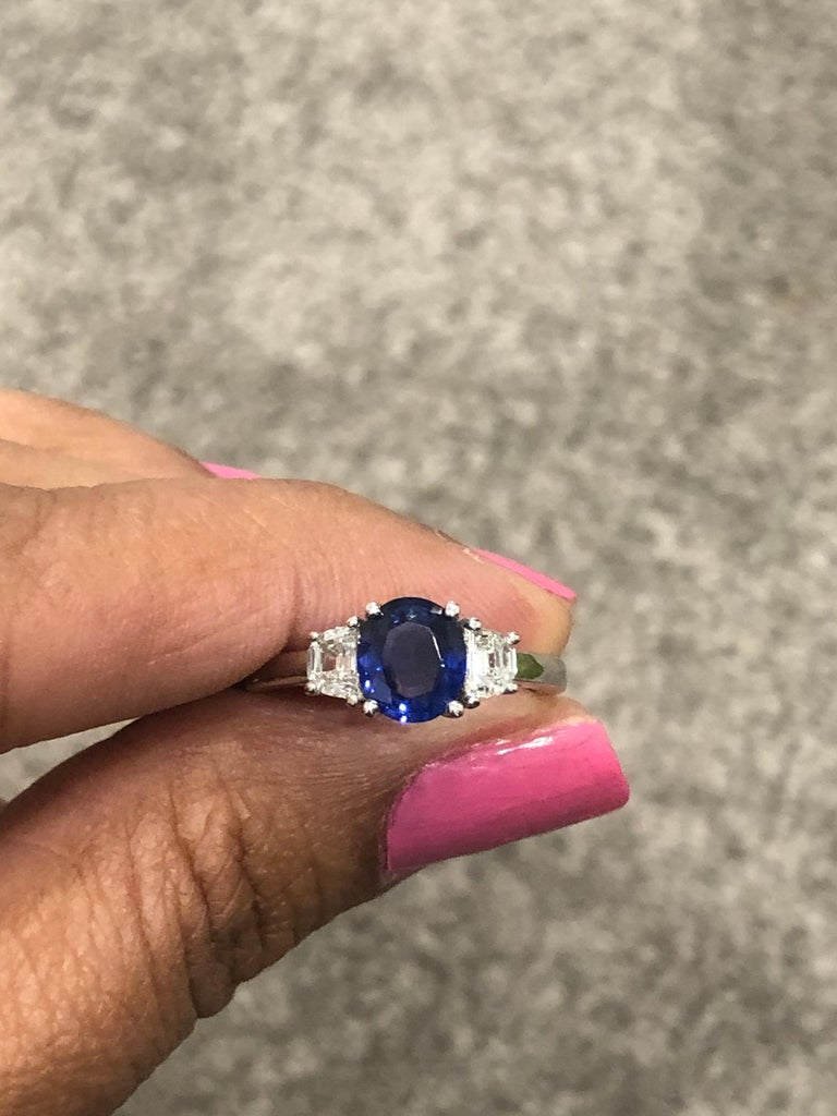 2.09 Carat GIA Certified Sapphire Diamond 18 Karat White Gold Engagement Ring For Sale 1