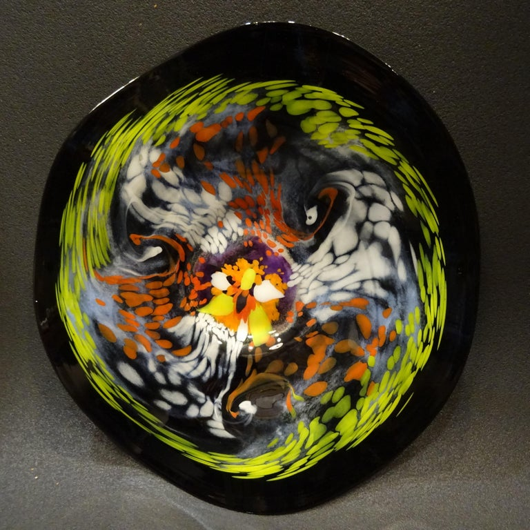 Black Large French Blown Glass Dish, Signed, Yellow, Orange, Blue, White For Sale 4