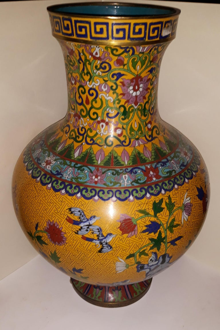 20th century Cloisonne impressive large vase, China 1910, copper wire and hard stones. Artistic floral decoration with birds, with edges with a Greek pattern and intense workmanship. Decoration also on the bottom. Dimensions: Height cm 52,