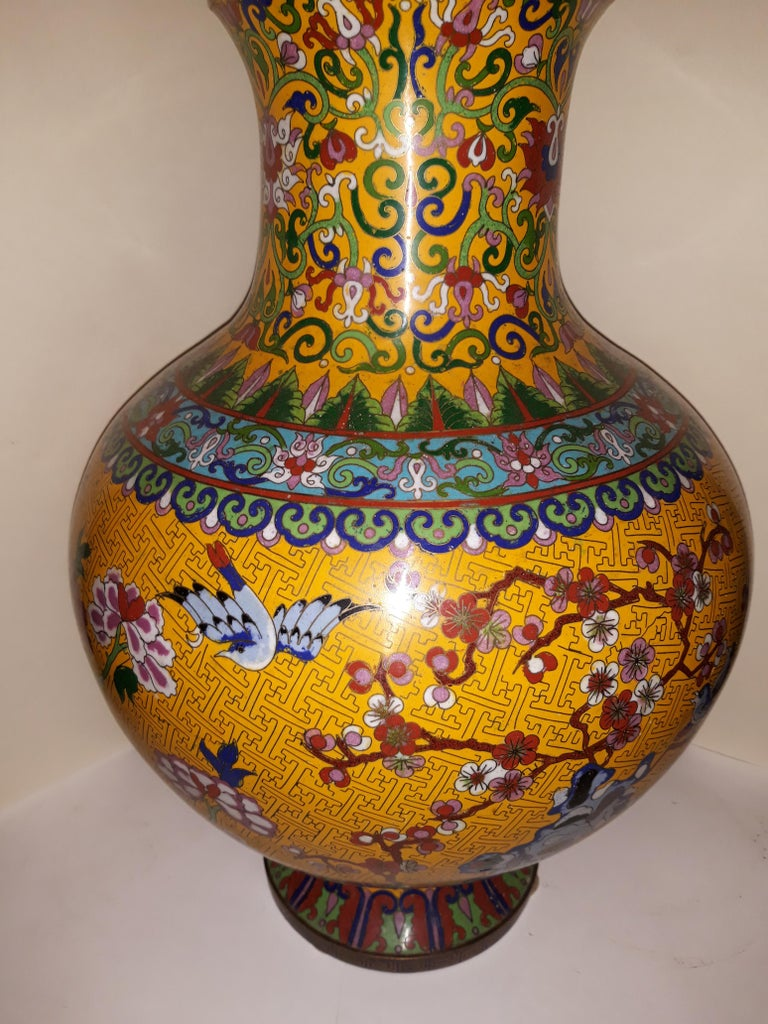 Chinoiserie 20th cent Cloisonne Impressive Copper Wire Vase and Hard Stones For Sale