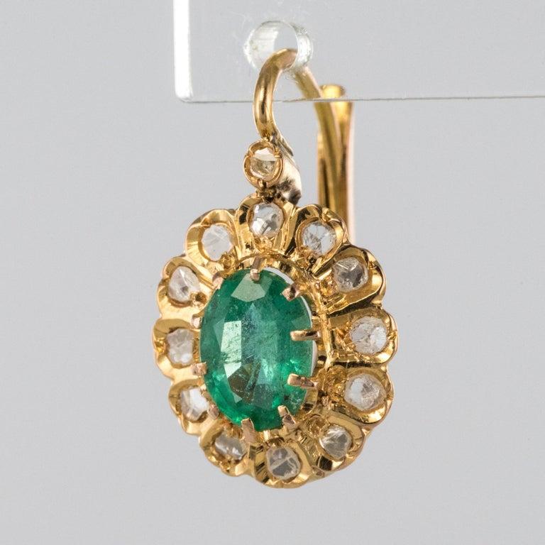 Belle Époque 20th Century 1.52 Carat Emerald Diamond Rose Gold Drop Earrings For Sale