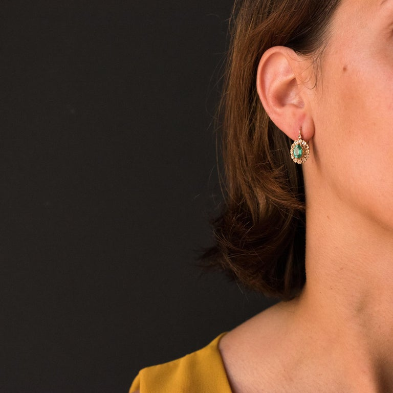 Women's 20th Century 1.52 Carat Emerald Diamond Rose Gold Drop Earrings For Sale