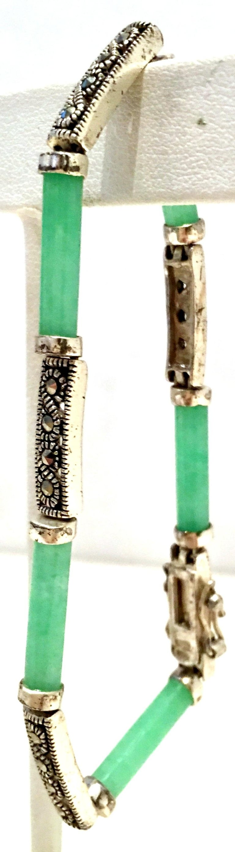 20th Century 925 Sterling Jadeite & Marcasite Link Bracelet In Good Condition For Sale In West Palm Beach, FL
