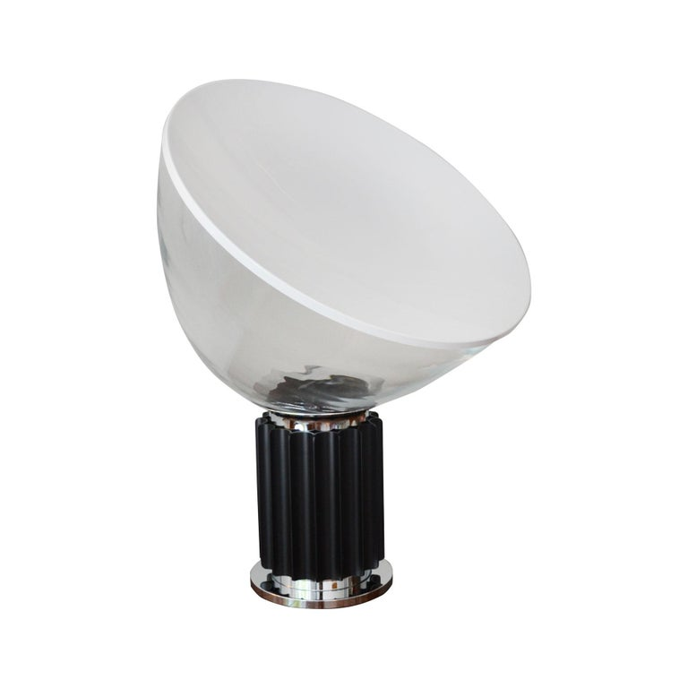 20th Century Achille and Pier Giacomo Castiglioni Table Lamp Taccia for Flos In Fair Condition For Sale In Turin, IT